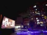 Film Keliling, Halau Kebosanan Warga Kolombia Saat Lockdown