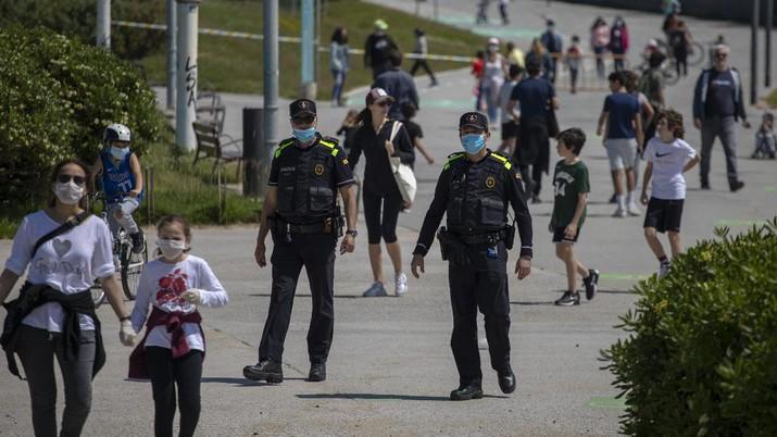 Kasus COVID-19 Turun Drastis, Spanyol Buka Lockdown. AP/Alvaro Barrientos