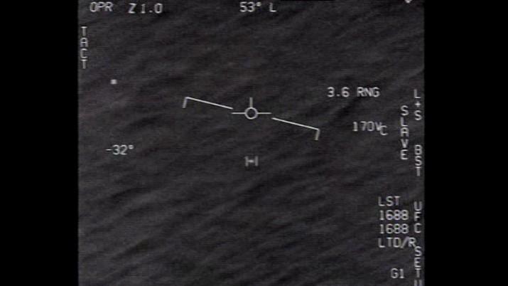 Departemen Pertahanan Amerika Serikat (AS) atau Pentagon resmi merilis tiga video singkat yang disebut menunjukkan 'fenomena di udara tak teridentifikasi' atau biasa juga disebut objek terbang tak teridentifikasi (UFO). (Dok. Department of Defense)