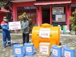 Pertamina Bagikan Alat Semprot & Tandon Air di Kotim
