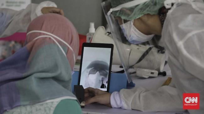 Karena itu layanan lewat video call ini disediakan pihak RSCM, Jakarta Pusat. CNNIndonesia/Adhi Wicaksono
