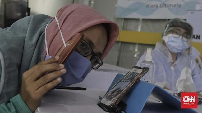PDP dan pasien positif corona ditempatkan di rumah sakit rujukan atau rumah sakit darurat dengan ruang isolasi sehingga tak bisa dibesuk sembarangan. CNNIndonesia/Adhi Wicaksono