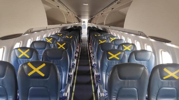 Komitmen Faktor Keselamatan dan Keamanan Penerbangan  Lion Air Group Menjalankan Pengaturan Sistem Jarak Aman Antartamu (Physical Distancing) di Dalam Kabin Pesawat. (Lion Air)