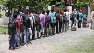 Hindari Lockdown India, 30 Pekerja Migran Tewas Kecelakaan