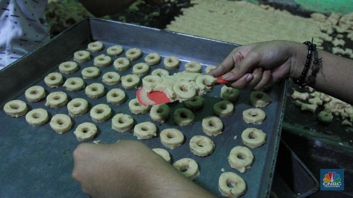 Ilustrasi Pembuatan Kue Kering. CNBC Indonesia/Tri Susilo