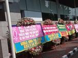 Ngadu ke DPR, Investor Minna Padi Tebar Karangan Bunga