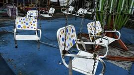 FOTO: Odong-odong Kosong di Pasar Malam Kanal Banjir Timur