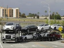 Tesla Luncurkan Software Terbaru 'Mobil Nyupir Sendiri'