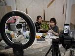 Tanpa Buka Toko, Warga China Jual Dagangannya via Streaming