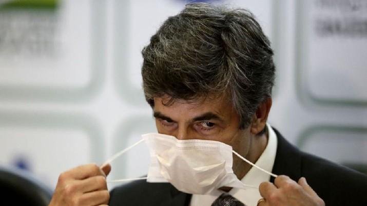 Menteri Kesehatan Brasil Nelson Teich/AP Photo