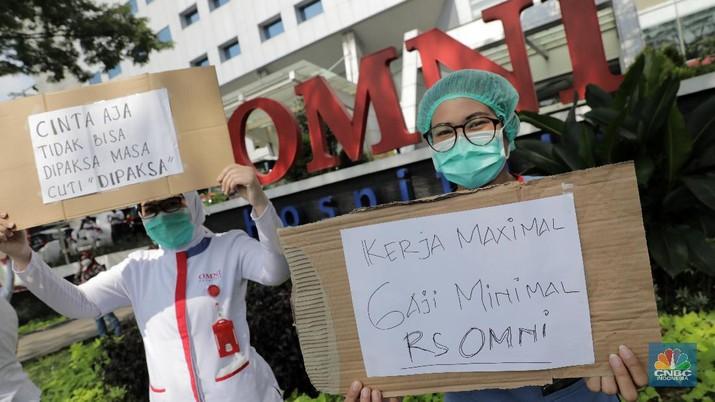 Demo Karyawan Rumah Sakit OMNI, Alam Sutera. Indonesia/ Andrean Kristianto)