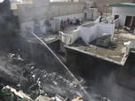 Intip Penampakan Puing Pesawat Pakistan yang Jatuh di Karachi