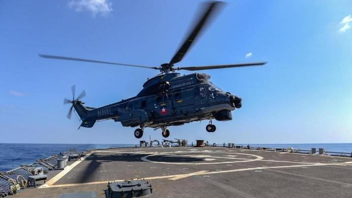 Kapal Perang Amerika di Laut China Timur (Twitter @USNavy)