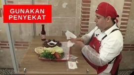 VIDEO: Demi Jaga Jarak, Restoran Buat Sekat Antar Pelanggan