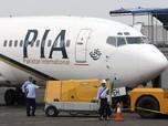 Bawa 100 Penumpang, Pesawat Pakistan Jatuh ke Pemukiman