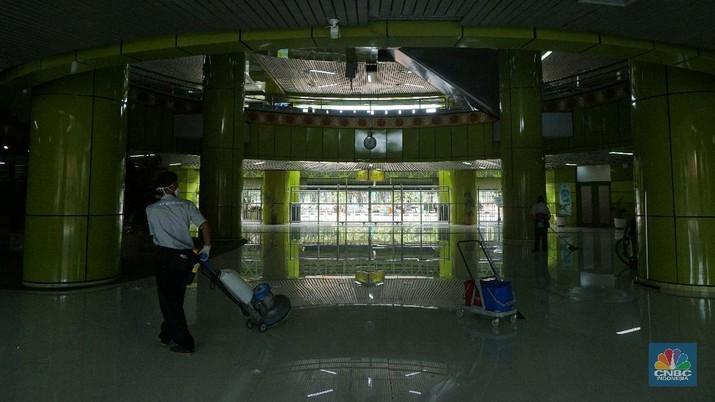 Ilustrasi Stasiun Gambir. CNBC Indonesia/Tri Susilo