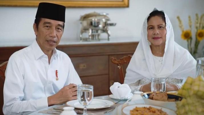 Presiden Jokowi dan Ibu Negara Ucapkan Selamat Idulfitri. Biro Pers Sekretariat Presiden