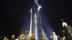 FOTO: Persiapan SpaceX Luncurkan Manusia Ke Luar Angkasa