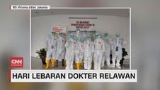 VIDEO: Kisah Dokter Relawan Yang Berlebaran di RS Wisma Atlet