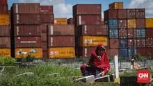 FOTO: Silaturahmi ke Mendiang di Tengah Pandemi Corona