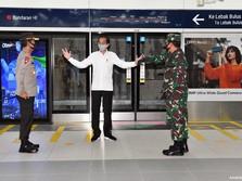 Intip Gaya Jokowi-Anies Tinjau MRT Jakarta Jelang New Normal