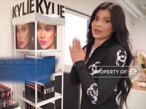 Kylie Jenner Didepak Forbes dari Daftar Miliuner Muda