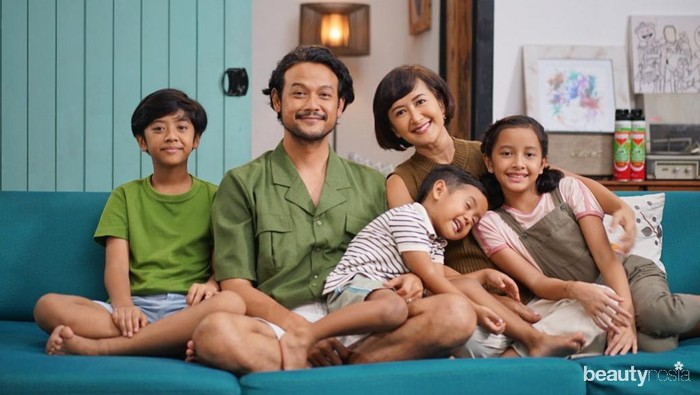Family Goals, 7 Potret Harmonis Keluarga Dwi Sasono dan Widi Mulia yang Bikin Iri