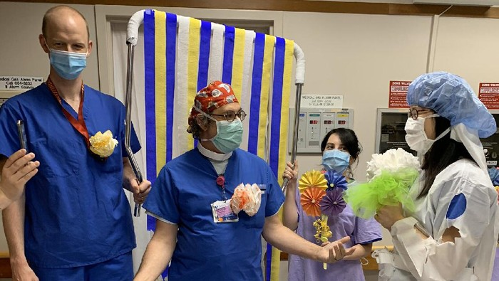 Pasangan Dokter Nikah Darurat di RS Kala Pandemi, Kisahnya Mengharukan