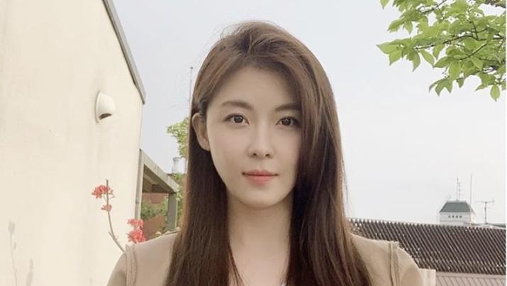 Ha Ji-won. IG: hajiwon1023