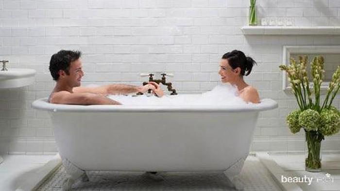Hal yang Perlu Diperhatikan Sebelum Melakukan Seks di Bathtub