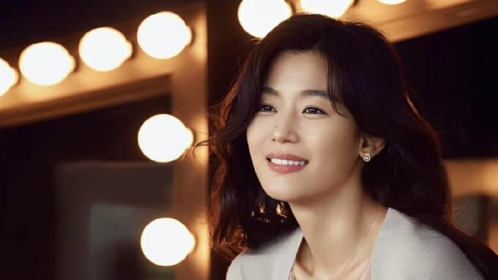 Jun Ji-hyun. IG: junjihyun_81