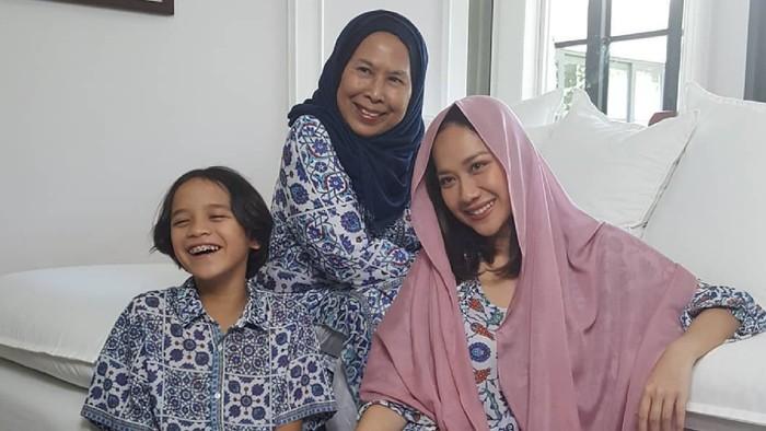 3 Bulan di Rumah BCL, Ibunda Ashraf Sinclair Pulang ke Malaysia & Isolasi Diri