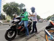 Ojol Bawa Penumpang, Intip New Normal Naik Grab & Gojek Cs