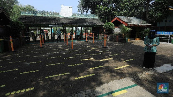 Jelang Dibuka, TMR Ragunan Bersiap New Normal (CNBC Indonesia/Andrean Kristianto)