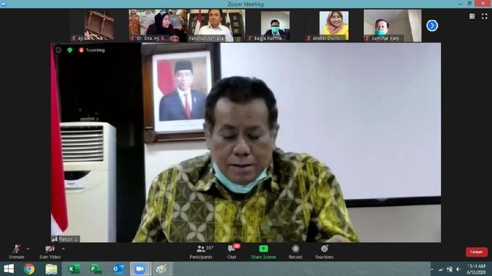 Universitas Indonesia (UI) dan Badan Pengatur Hilir Minyak dan Gas Bumi (BPH Migas) menjalin kerja sama terkait pengkajian, sosialisasi, dan pengabdian kepada masyarakat di sektor hilir migas. Penandatangan dilakukan antara Rektor UI Ari Kuncoro dan Kepala BPH Migas Fanshurullah Asa di sela-sela webinar