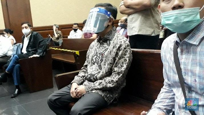 Benny Tjokrosaputro jalani sidang ke dua dugaan korupsi PT Asuransi Jiwasraya di Pengadilan Negeri Tindak Pidana Korupsi Jakarta Pusat. (CNBC Indonesia/ Ferry Sandi)
