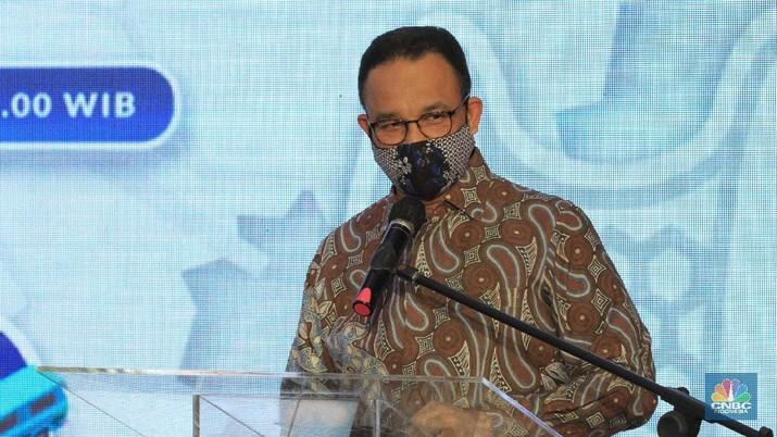 Gubernur DKI Jakarta Anies Baswedan. saat peresmian staisun terpadu Tanah Abang, Rabu (17/6/2020) (CNBC Indonesia/ Tri Susilo)