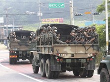 Korut Pamer Kekuatan Militer, Mau Perang?