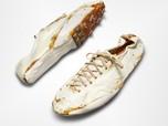 Ada-ada Aja, Sepatu Butut Begini Dilelang Sampai Rp2,1 M