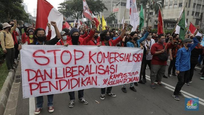 Demo saat New Normal. CNBC Indonesia/Muhammad Sabki