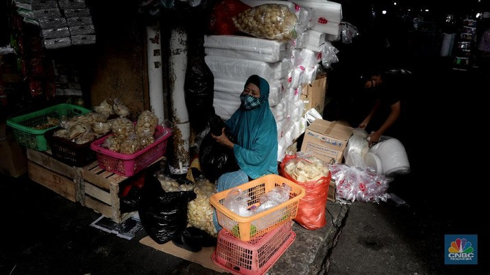 Pasar kebayoran Lama. (CNBC Indonesia/ Muhammad Sabki)