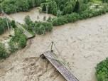 Pemandangan Banjir Hebat di Ukraina, Ribuan Rumah Rusak