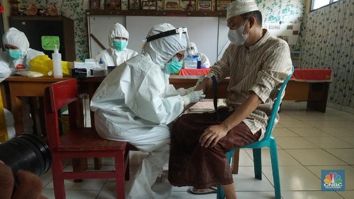 Rapid Test  (CNBC Indonesia/Tri Susilo)