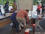 Dahlan Sebut Sujud Risma Lebih Besar Daripada Marah Jokowi
