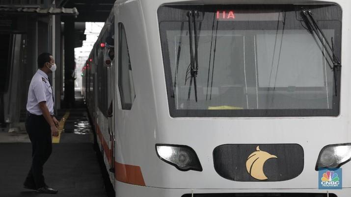 KA Bandara Soekarno-Hatta Mulai Beroprasi, Ada Sekat Pembatas Kursi. (CNBC Indonesia/ Tri Susilo)