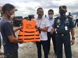 KSOP Panjang Bagikan Alat Keselamatan untuk Kapal Tradisional