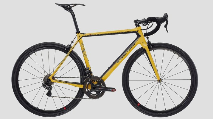 Sepeda Ferrari (store.ferrari.com)
