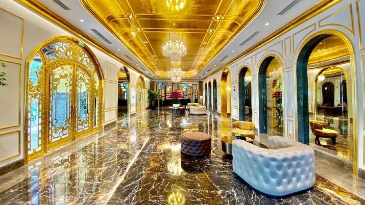 Hotel berlapis emas di Dolce Hanoi Golden Lake (Tangkapan Layar Facebook Dolce by Wyndham Hanoi Golden Lake @dolcebywyndhamhanoigoldenlake)