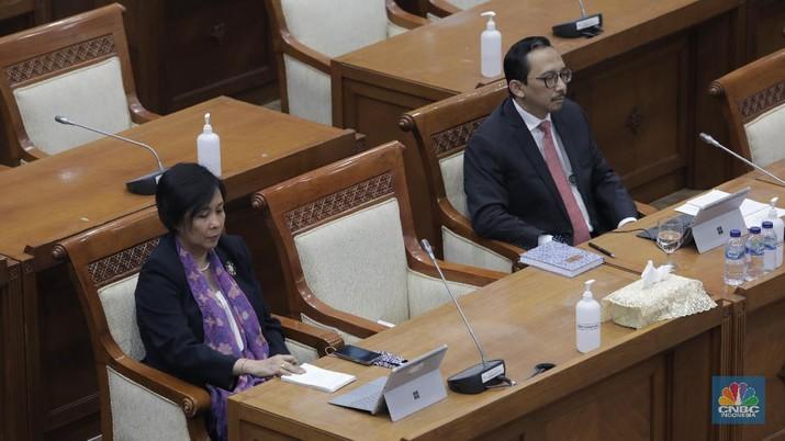 Fit and proper test, Aida S Budiman dan Juda Agung (CNBC Indonesia/ Tri Susilo)