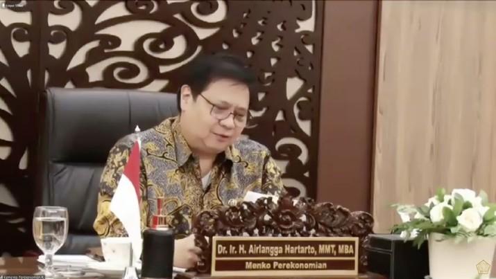 Menteri Koordinator Bidang Perekonomian Airlangga Hartarto dalam acara Peluncuran Penjaminan Kredit Modal Kerja UMKM Dalam Rangka Pemulihan Ekonomi Nasional (Tangkapan Layar Youtue Kemenkeu)